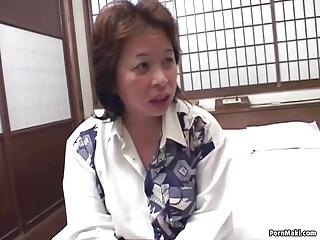 Asian mom gets nailed