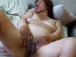 Granny Olga libel - Abuela Olga masturbacion