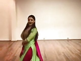 Dressed magnificent dance by sexy honey on hindi song