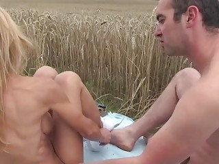Mature grumpy bitch gets fucked outdoor