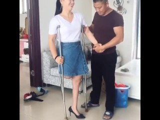 Beautiful RAK Amputee wifey attempts High high-heeled shoes