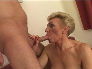 older slut loves a young stud