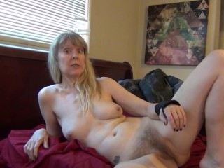 hairy mom spreads für sohn