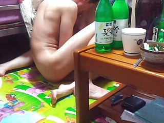 Grubby Korean middle-aged mom's gang-fuck hook-up