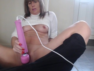 playing with my wand makes me cum so hard